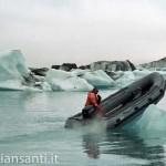 islanda- laguna glaciale gommone