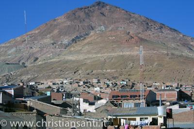 il Cerro Ciro domina Potosi'