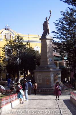 la piazza centrale di Potosi